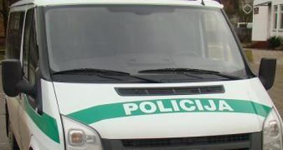Kaune pareigūnas sukėlė avariją