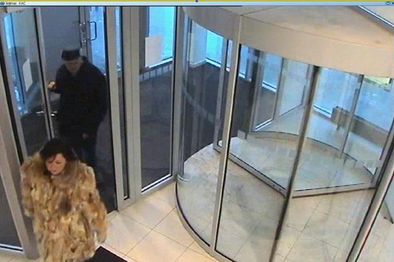 Po pažinties prekybos centre vyriškis pasijuto apvogtas