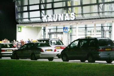 Šalia oro uosto – tik nelegalūs taksistai
