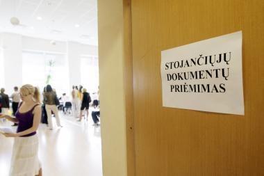 Valstybės finansuojamų studijų vietų gali mažėti
