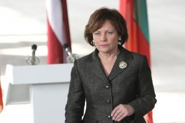R.Juknevičienė: Lietuvoje turi mažėti generolų ir daugėti eilinių