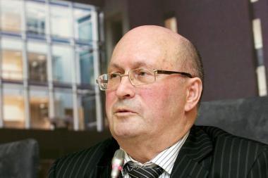 Liustracijos komisijos pirmininkas pats jaučiasi Seimo nario apšmeižtas