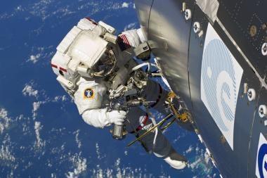Toli kosmose keliauti trukdys ir nusilpę astronautų raumenys