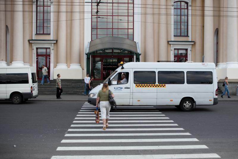 Savivaldybė: maršrutiniai taksi Vilniuje liks