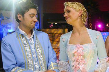 K.Kaikairienė mielai suplanuotų R.Ščiogolevaitės ir E.Dandelio vestuves