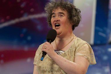 S.Boyle dainuos popiežiui