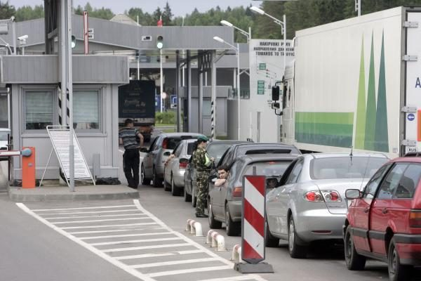 Dažnai kertančius valstybės sieną turčius tikrins VMI