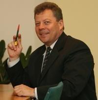 Valstybės tarnybos departamento vadovas kovoja su VRM