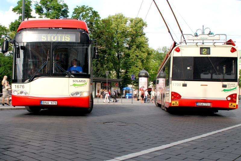 Lietuviai į viešąjį transportą persėda nenoriai
