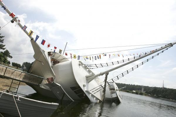 Kauno mariose ant šono atsigulė laivas
