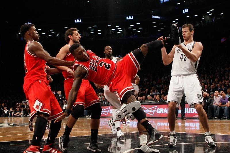 Kokiam NBA krepšininkui buvo parodytas nepadorus gestas?