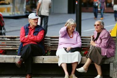 Sumažintas pensijas liepta kompensuoti (papildyta)
