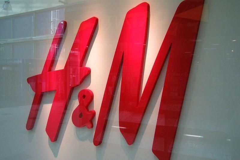 """Analitikas: """"H&M"""" atėjimas """"Aprangos"""" nesmukdo"""