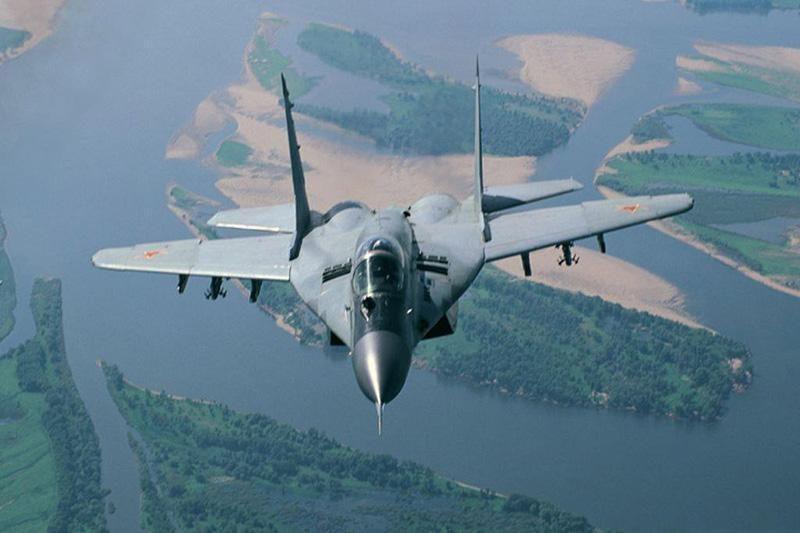 Baltijoms šalims neapsimoka investuoti į naikintuvus