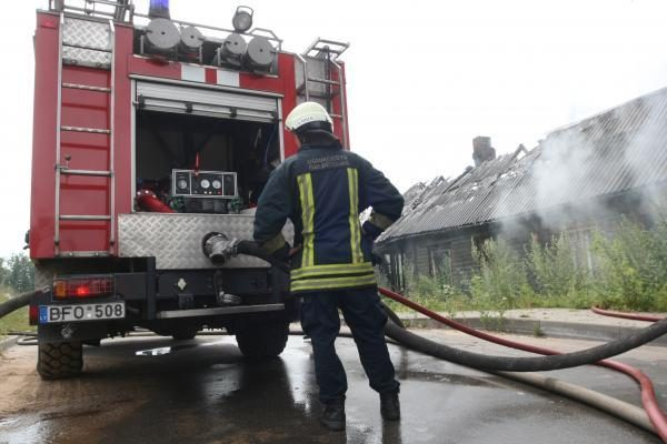 Vakar gaisruose žmonės nenukentėjo
