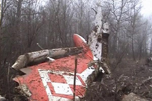 Aviakatastrofa Rusijoje: žuvo Lenkijos prezidentas ir šalies politinis elitas (papildyta)