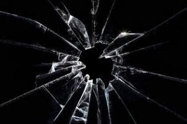 Klaipėdietis mirė susižalojęs galvą stiklu