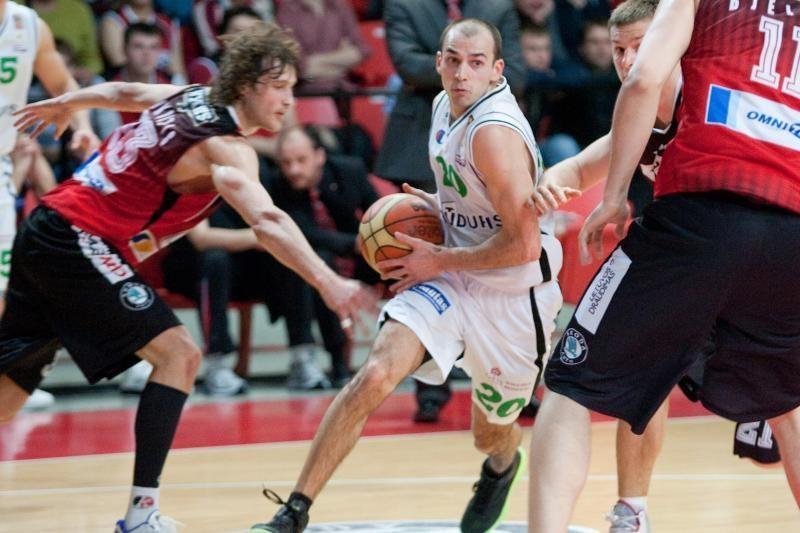 R.Alijevas rado išeitį - jis žais už Azerbaidžano rinktinę