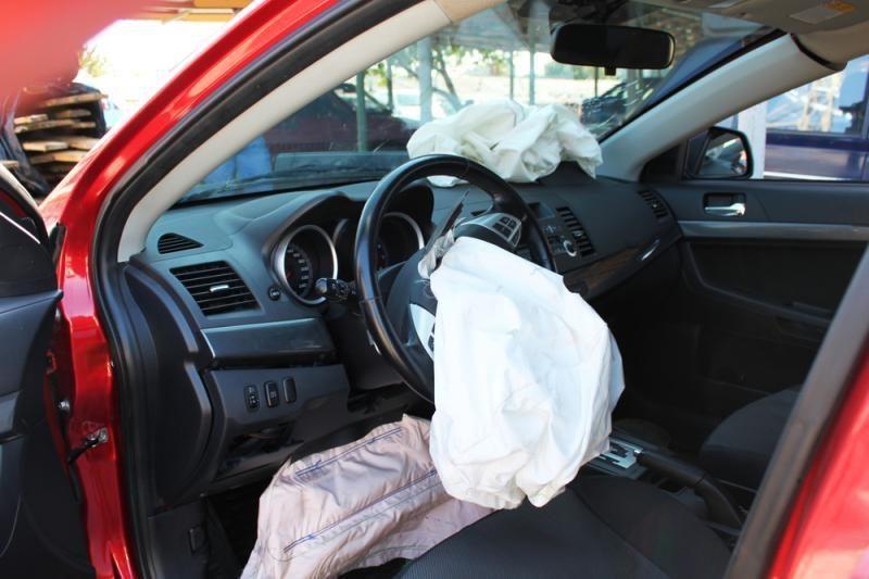 """""""Štampuotų"""" detalių automobiliuose montavimas – rizika vardan taupymo"""
