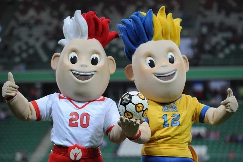Kontroliniuose mačuose pergales šventė Euro 2012 šeimininkės
