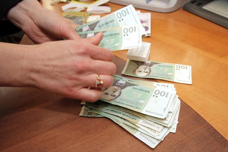 DNB banko klientei pavyko pervesti pinigus, kurių ji neturėjo