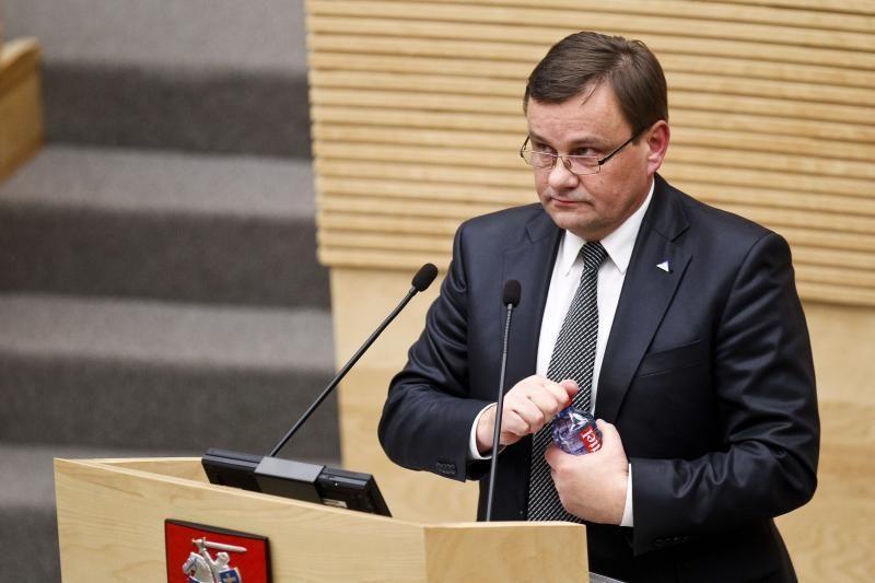 Seimo pirmininkas V.Gedvilas sustabdė narystę LKF vykdomajame komitete