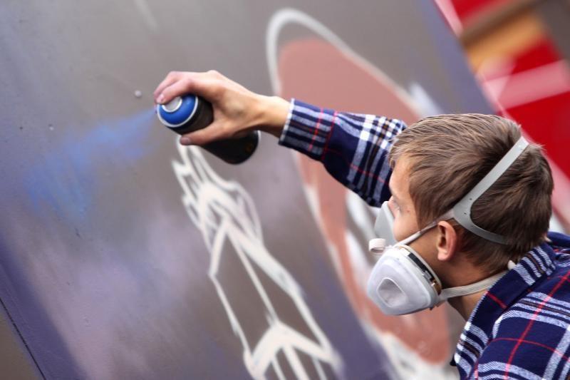 Seimas svarstys siūlymą kriminalizuoti grafičių piešimą
