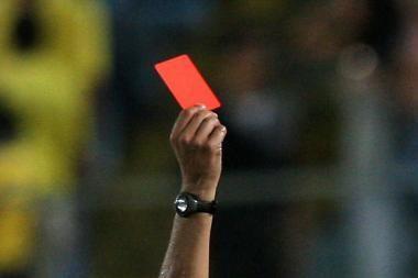 """Futbolo federacijos funkcionierius nepaneigė siūlęs žurnalistui """"į snukį"""""""