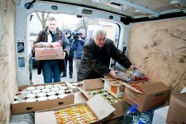 Latvijos pasienyje įstrigusiems vairuotojams - Kūčių vakarienė iš Lietuvos
