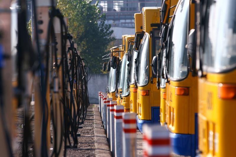Naktį autostradoje Vilnius-Panevėžys degė autobusas