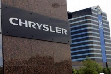 """""""Chrysler"""" dėl oro pagalvių jutiklių defekto JAV atšaukia 312 tūkst. minivenų"""