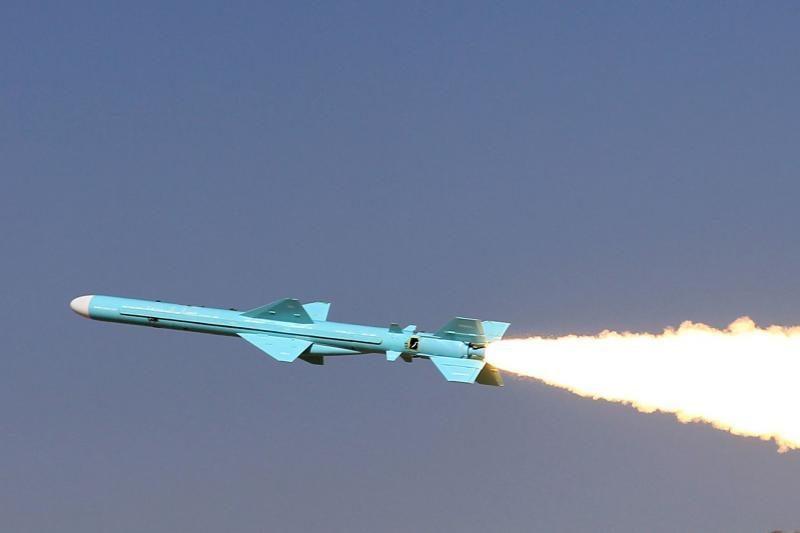 Pakistanas išbandė patobulintą vidutinio nuotolio raketą