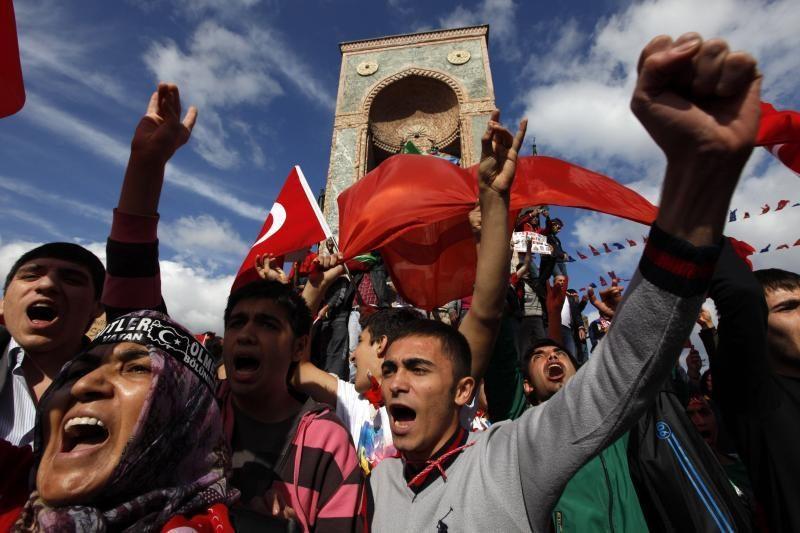 """Turkija taikos su kurdais procesui ketina suformuoti """"išminčių"""" grupę"""