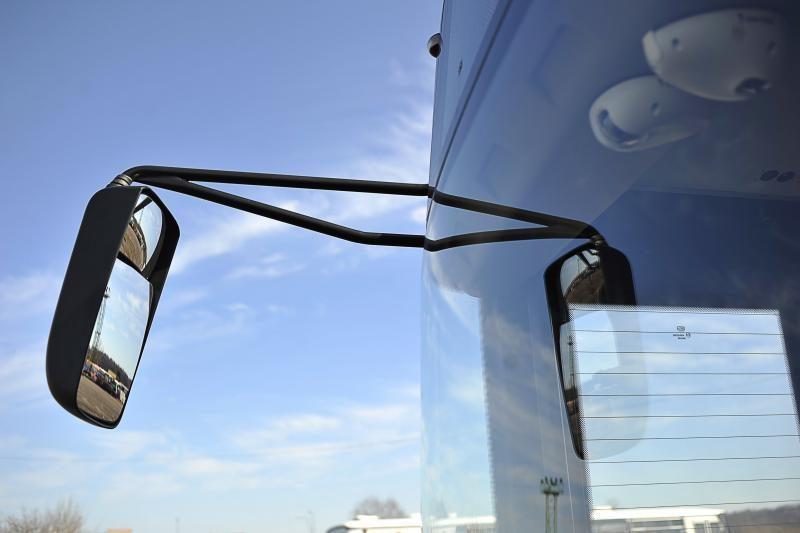 Lenkijoje susidūrė turistinis autobusas su sunkvežimiu, 53 sužeisti