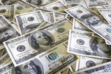 Analitikai: JAV ekonomika atsigaus greičiau nei prognozuota