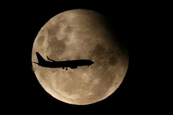 Mėnulio paradoksas: kodėl mėnulis prie horizonto tampa toks didelis?