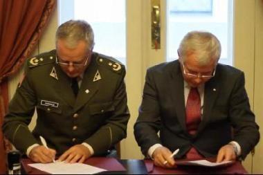 VDU pasirašytos trys bendradarbiavimo sutartys