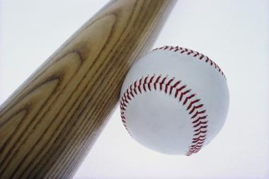 Aštuoniolikmetį sumušė beisbolo lazda