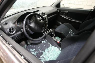 Šilutėje grupė vagišių apvogė 13 automobilių
