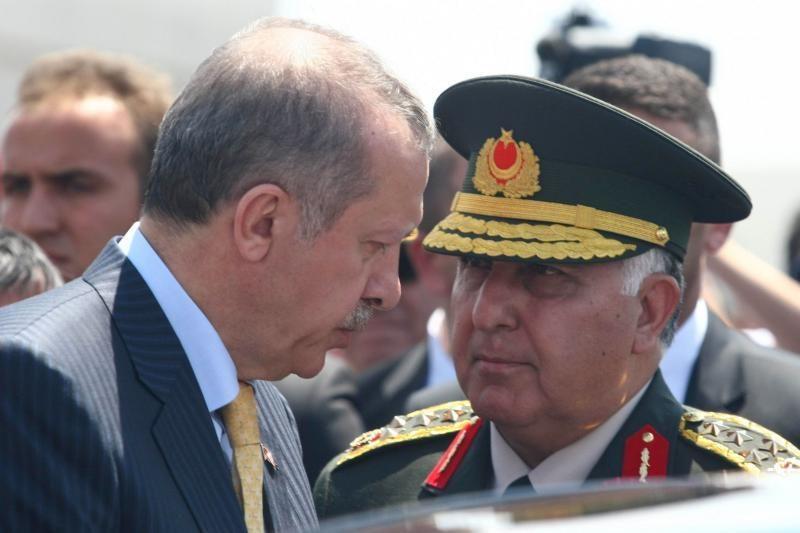Turkijoje pagerbti Sirijos pajėgų numušto lėktuvo lakūnai