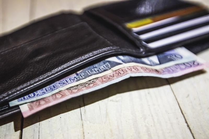 Iš kauniečio kišenės kavinėje dingo per 11 tūkst. litų