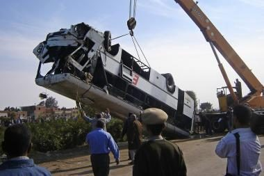 Egipte - pražūtinga autobuso avarija