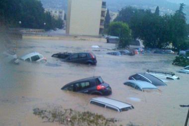 Prancūzijos pietuose staigūs potvyniai nusinešė 10 žmonių gyvybes