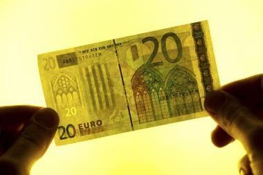 Britams ir prancūzams labiausiai iš visų Europoje nepatinka euras