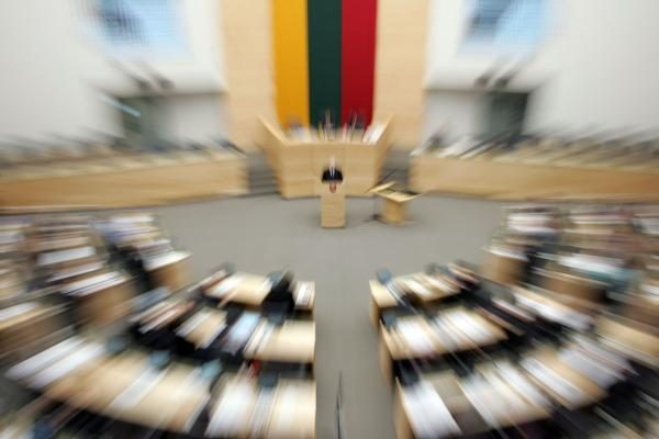 Buvę parlamentarai sausį ketina įsteigti visuomeninę organizaciją