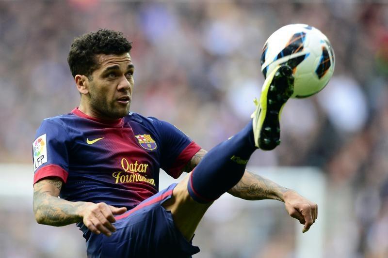 """D. Alvesas prieš mūšį su """"Milan"""": privalėsime rizikuoti"""
