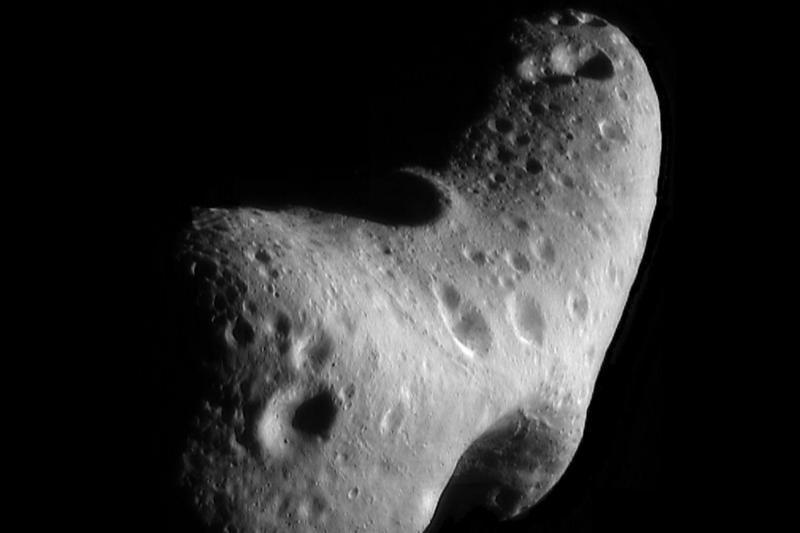 Tarp Žemės ir Mėnulio šįryt praskriejo užvakar atrastas asteroidas