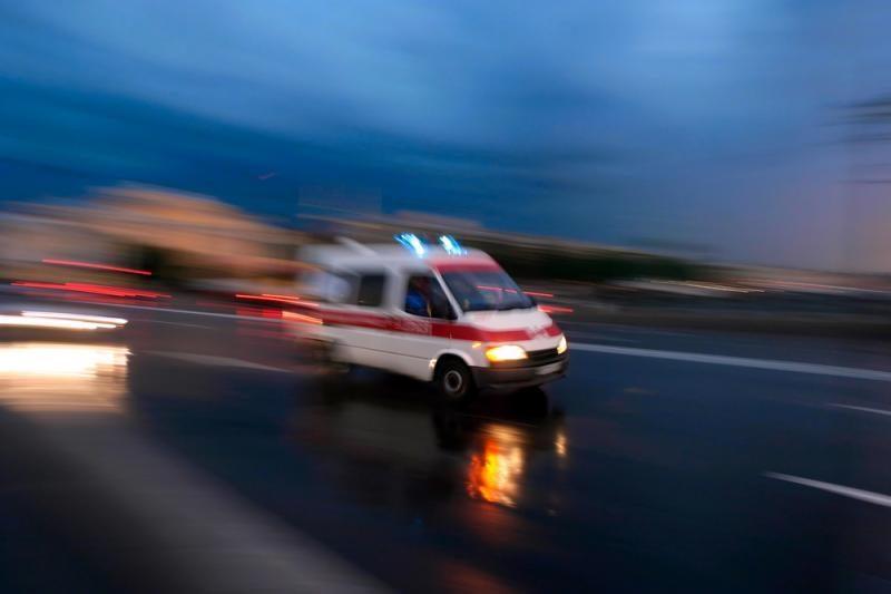 Kaišiadorių rajone apsivertus automobiliui nukentėjo žmonės