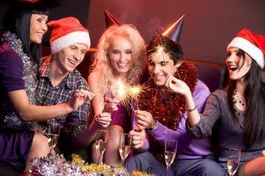 Kalėdiniai vakarėliai darbuotojų nemotyvuoja
