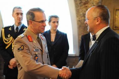 Lietuvoje vieši  Liuksemburgo kariuomenės vadas